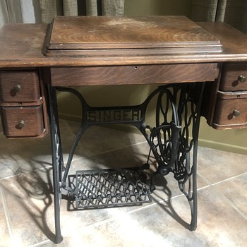 Singer treadle sewing machine  - Sewing