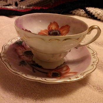 Heirloom family china - China and Dinnerware
