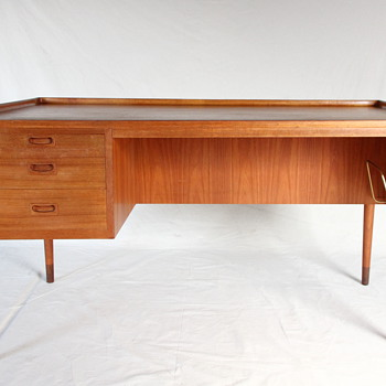 A rare anonymous danish desk - Furniture