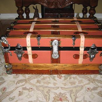 Small Steamer Trunk - Furniture