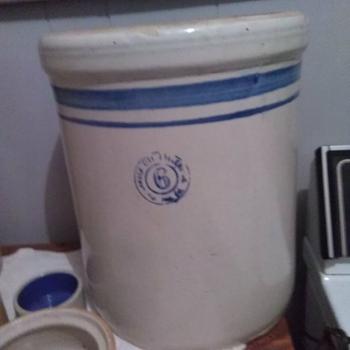 Crock pottery