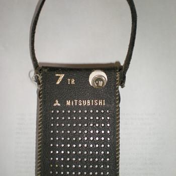 MITSUBISHI TRANSISTOR RADIO 1960S - Radios
