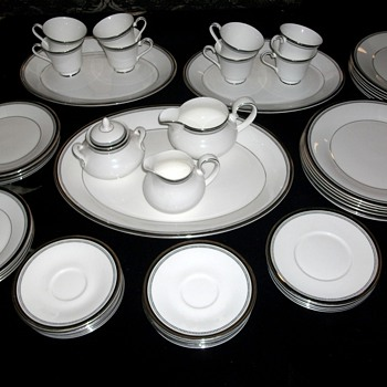 Royal Doulton Sarabande Fine Bone China Set
