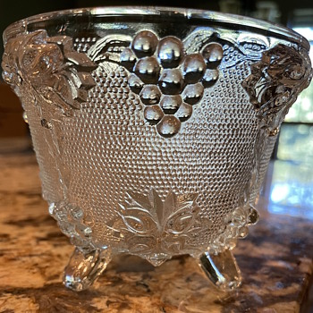 Have no idea what this is/was used for - Glassware