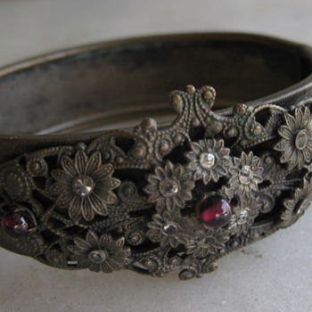 A bracelet to match Freiheit's brooch? - Costume Jewelry