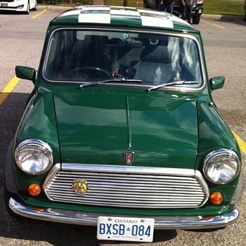 Green Mini Cooper 1275.
