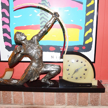 Hercules and the Stymphalian birds, Jean Du Roncourt sculpture on French Art Deco Mantle Clock, 1933 - Art Deco