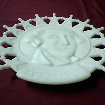 A WASHINGTON MILK GLASS PLATE - Art Glass