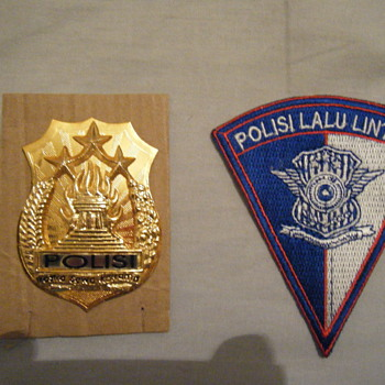 INDONESIA POLICE BADGE + PATCH