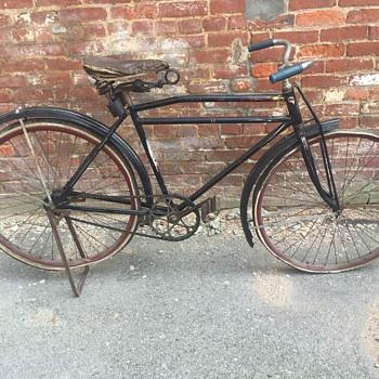 1927 Arnold Schwinn motor bike B10    wood rims