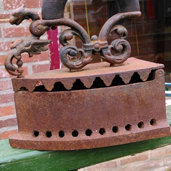 Victorian/Edwardian Sad Iron w/Gryphon Decoration Thrift Shop Find - Kitchen