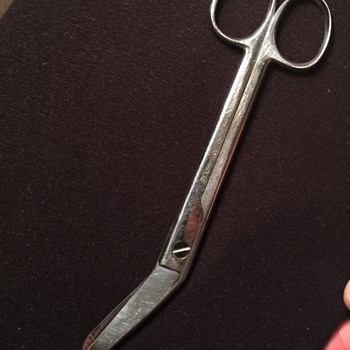 Trying to Identify a time period on my REX Bandage Scissors - Military and Wartime