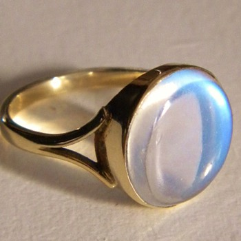 Art Deco Ceylon Moonstone 9ct Ring