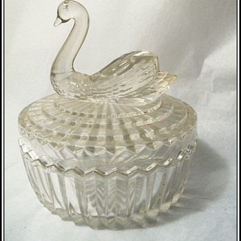 JEANNETTE GLASS - Cover Trinket Dish - Swan - 1940's - Glassware