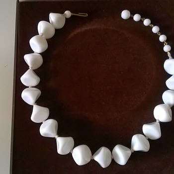 A Super Bright White Milk Glass Choker Necklace, Thrift Shop Find 45 Cents - Costume Jewelry