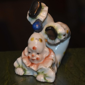 Cute little porcelain clown - Made in Japan - Figurines
