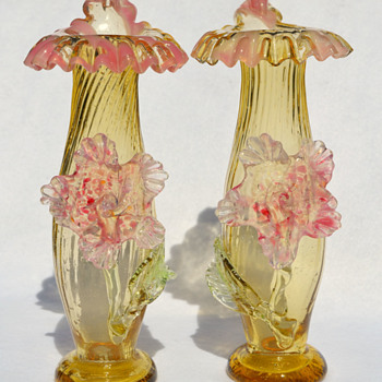 "KRALIK ""Applied Flower"" mirror-image pair - Art Glass"