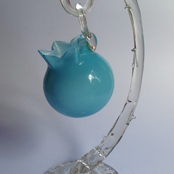 Victorian glass hanging basket on rustic thorn stand - Art Glass