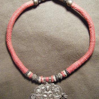 ANTIQUE INDIAN TRIBAL STERLING SILVER AMULET hm'ed