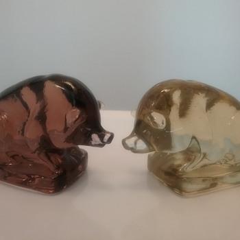 Boyd Glass pigs  - Animals