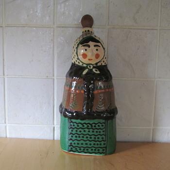 TERRACOTTA GLAZED LADY - Pottery