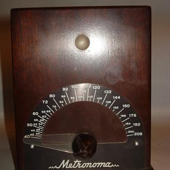 CRYSTAL LAB METRONOMA