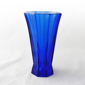 Vase, Josef Hoffmann for the Wienner Werkstätte - Art Glass