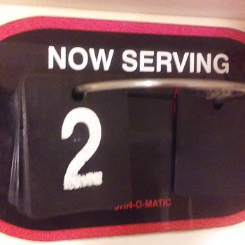 "TURN-O-MATIC ""NOW SERVING"" flip-sign - Signs"