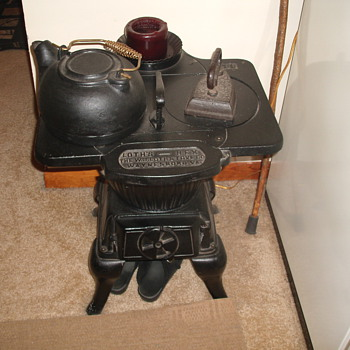 W.J Loth Stove - Kitchen