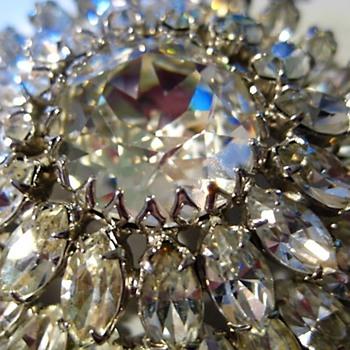 Large Clear Rhinestone Brooch - like a Cone-flower  - Costume Jewelry