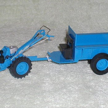 Chuk-Chuk Tractor (die-cast metal) - Tractors