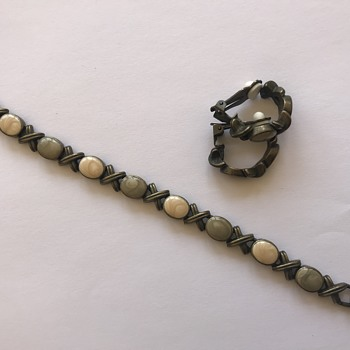 Beautiful bracelet and earring set with stones .  - Costume Jewelry