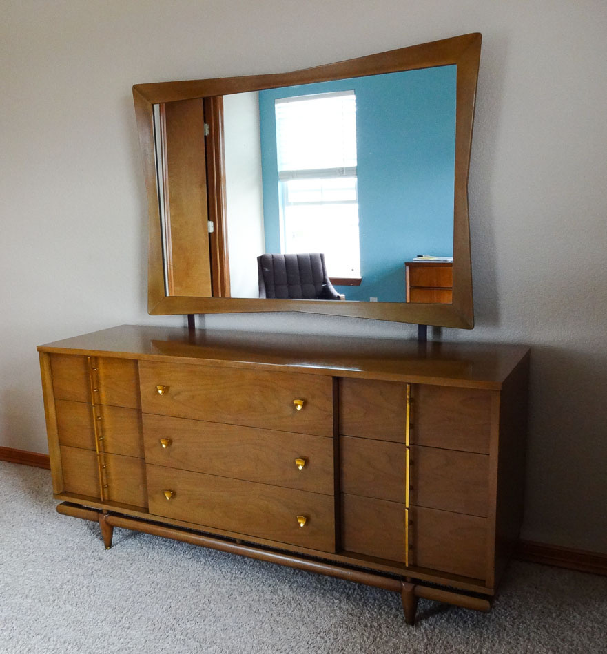 Mid Century Modern Bedroom Set ~ Dresser, Chest U0026 Nightstand Kent Coffey |  Collectors Weekly