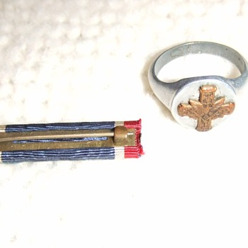 WW1 Distinguished Service Cross souvenir ring and ribbon bar - Military and Wartime