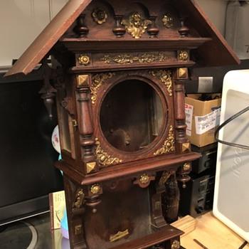 MYSTERY ANTIQUE WALL CLOCK IDENTIFICATION?? - Clocks