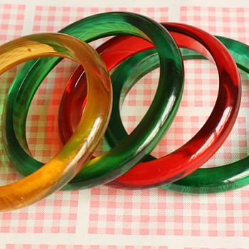 Bakelite and lucite yummie candy bangles - Costume Jewelry