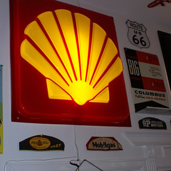 Shell gas sign - Petroliana