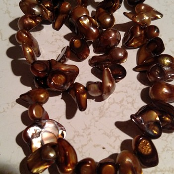 Vintage dark brown irradesent shell made into a bead necklace - Costume Jewelry