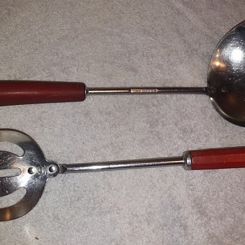 """two """"similar"""" old stainless serving spoons w/red bakelite handles  - Kitchen"""