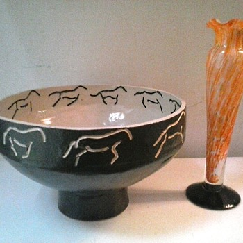 Chinese Ceramic Bowl With Incised Horses /Japanese Spatter Glass Bud Vase/Unknown Age and Makers - Asian