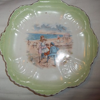 Decorative plate with beach scene - China and Dinnerware