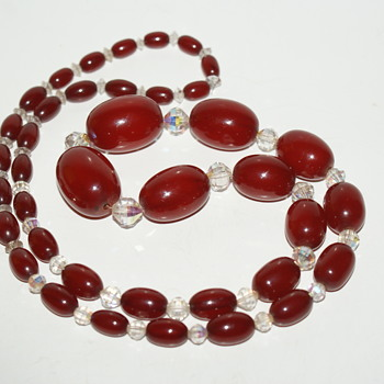 Vintage Bakelite Necklace - Costume Jewelry