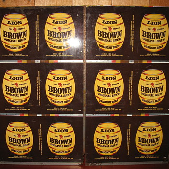 Uncut Lion brown cans - Breweriana