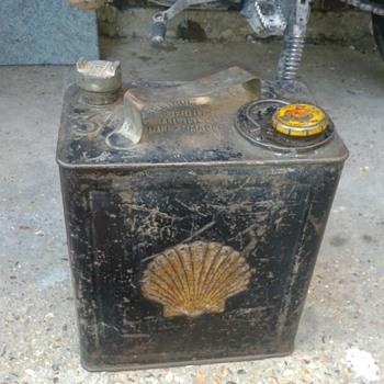 1931 shell petrol & oil can