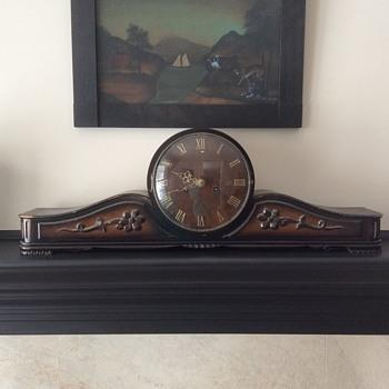 Emes mantel clock - Clocks