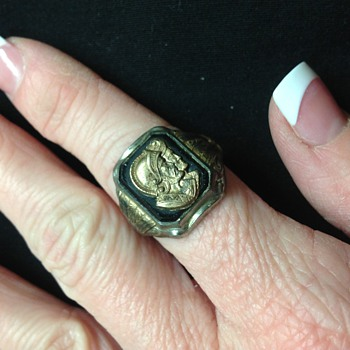Unknown men's ring