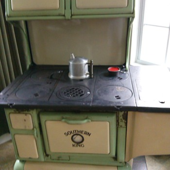 Sears Southern King cook stove. - Kitchen