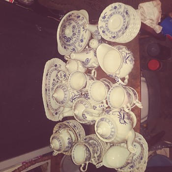 Saved from the trash - China and Dinnerware