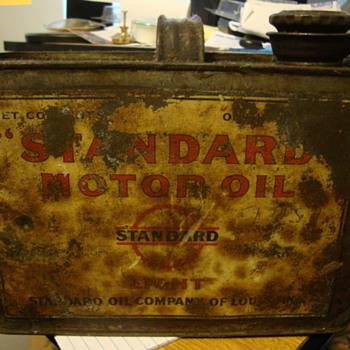antique standard oil co. 1/2 gallon oil can - Petroliana