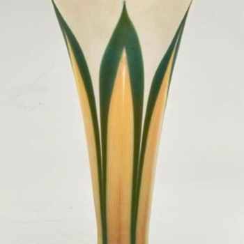 Quezal Gold & Green Pulled Feather Vase c.1910 - Art Glass